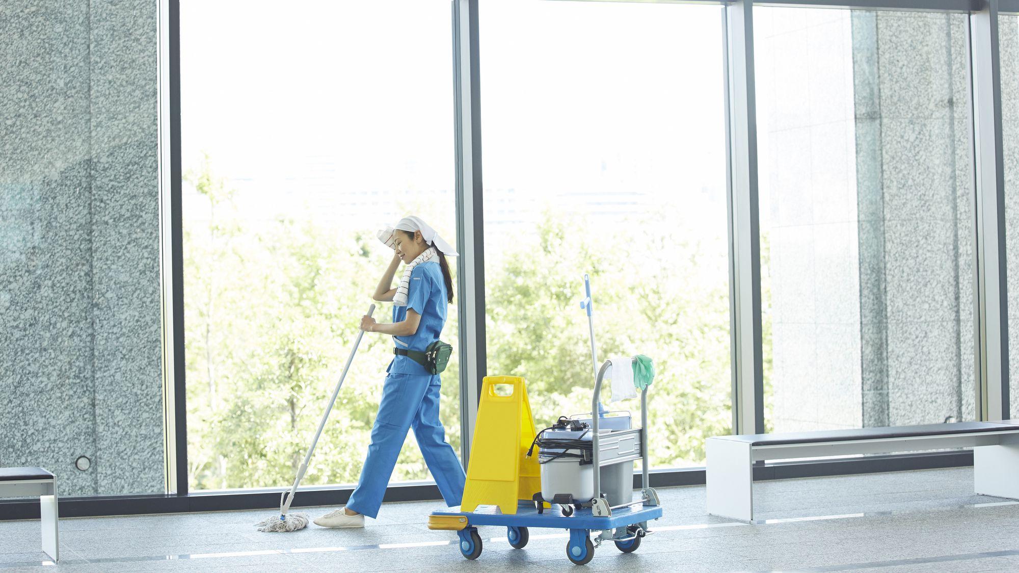 保険に加入しているオフィス清掃業者が安心